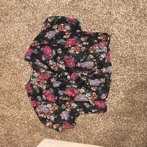Tramp, floral dressy button up top, size M
